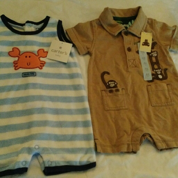 fd21f3e2f7911 NWT Lot of 2 baby boy Rompers Gap Carters NWT